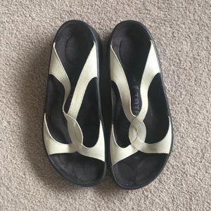 Tatami silver glittery sandals